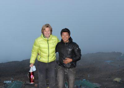 Rob and Nuru, Dzhongla